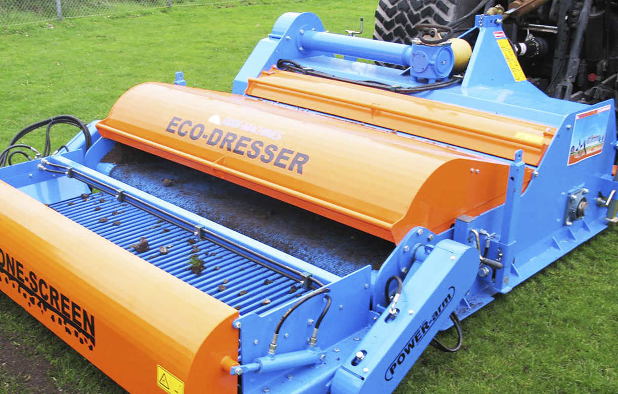 <b>Gather and Transfer</b><p></p>The top dressing soil can also be collected and transported within the field area.